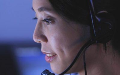 Aide-mémoire du service clientèle pour les opérateurs de chat en direct avec des exemples de réponses